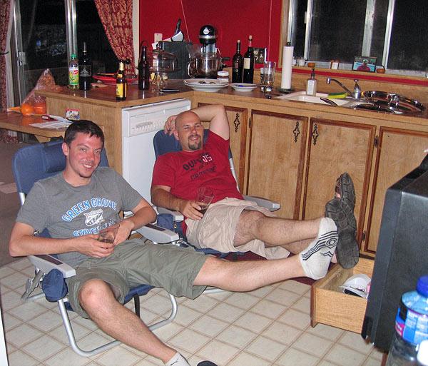 Eric und ich brauen Bayerisches Weizenbier in Kalifornien.